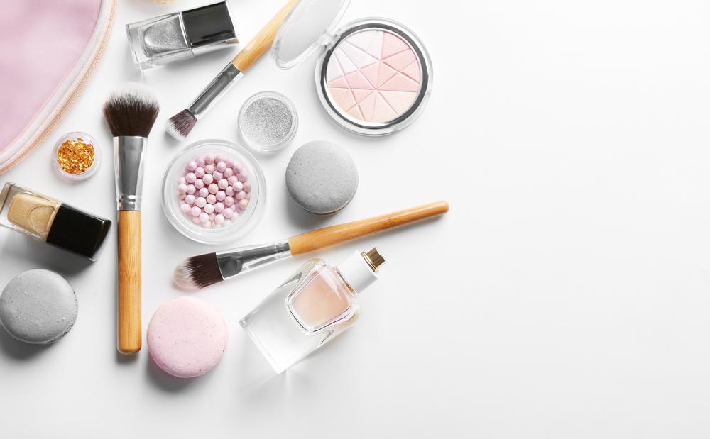 Nakupovanie kozmetiky online má mnohé výhody – poznáte ich?